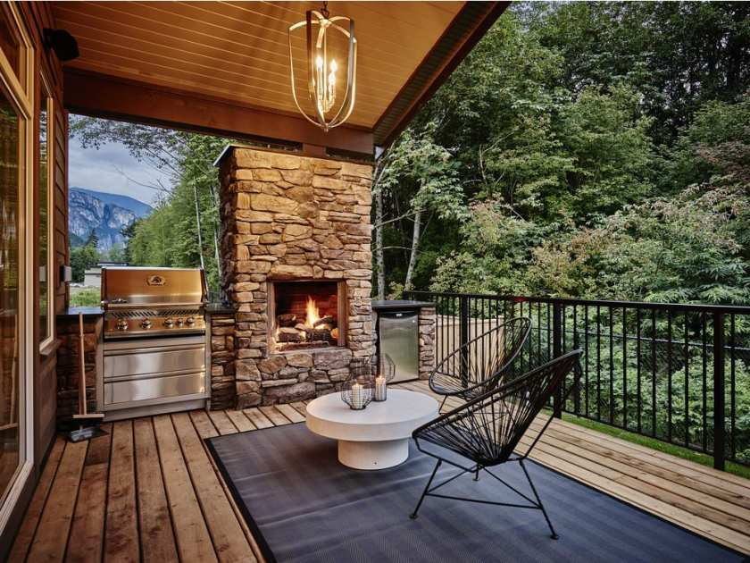 ravenswood-is-a-project-from-benchmark-homes-in-squamish-fo2